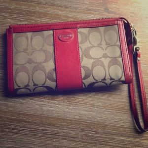 Red Coach Wallet ❤️ Great condition
